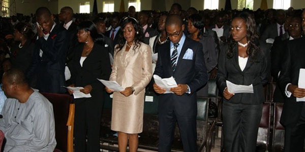 131 New Medical Doctors Take Physicians' Oath